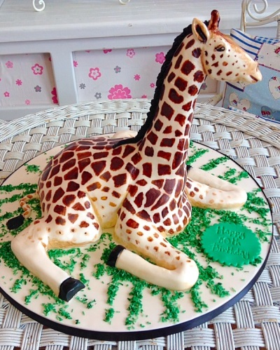 Giraffe Ladies Birthday Cake