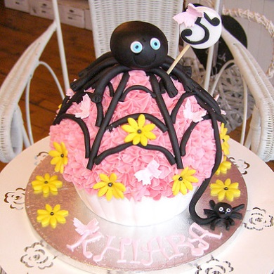 Spider Giant Cup Cake