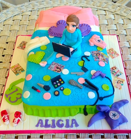 Unmade bed Girls Birthday Cake